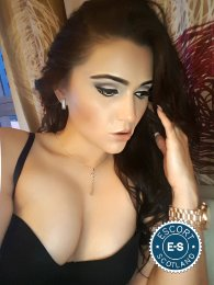 Meet Nadia in Glasgow City Centre right now!